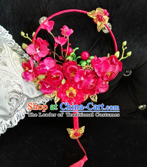 Traditional Handmade Chinese Ancient Wedding Catwalks Round Fans, Hanfu Palace Lady Bride Rosy Flowers Mandarin Fans for Women