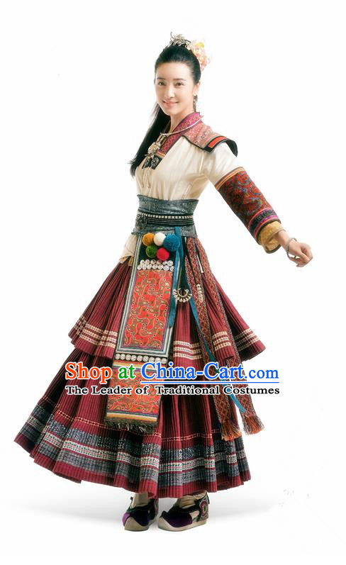 Asian Chinese Tang Dynasty Swordswoman Embroidered Costume and Handmade Headpiece Complete Set
