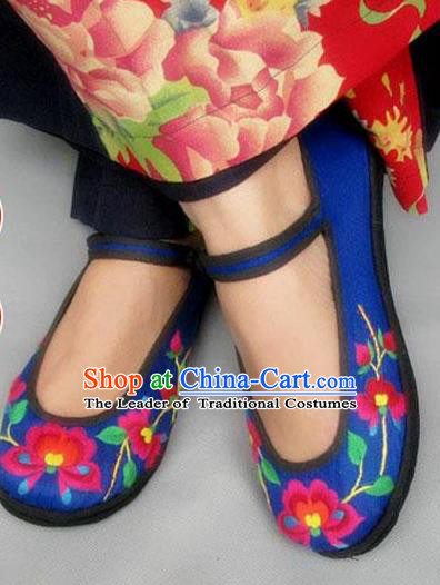 Traditional Chinese National Blue Embroidered Shoes, China Handmade Shoes Hanfu Embroidery Peony Cloth Shoes for Women