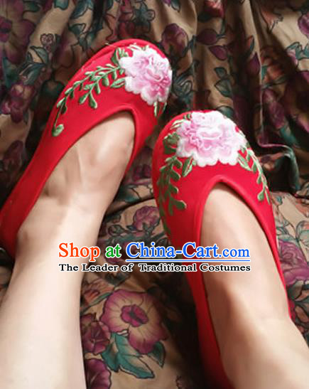 4d139b0f80efd2 Traditional Chinese National Embroidered Shoes Red Wedding Shoes