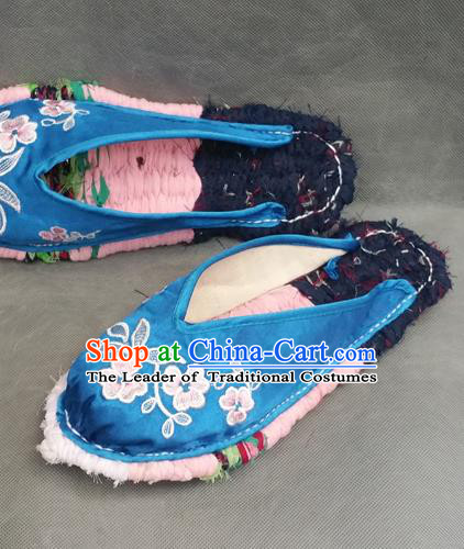 Traditional Chinese National Embroidered Shoes Handmade Blue Satin Slippers, China Hanfu Embroidery Flowers Shoes for Women