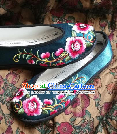 Traditional Chinese National Embroidered Shoes Handmade Green Satin Shoes, China Hanfu Embroidery Peony Flowers Wedding Shoes for Women