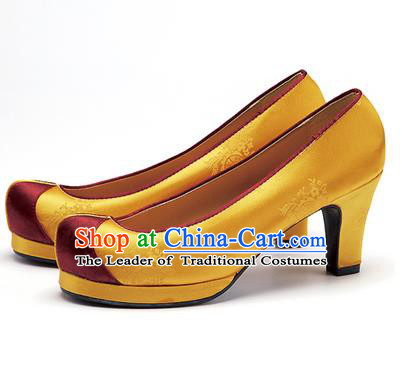 Traditional Korean National Wedding Embroidered Golden High-heeled Shoes, Asian Korean Hanbok Bride Embroidery Satin Shoes for Women
