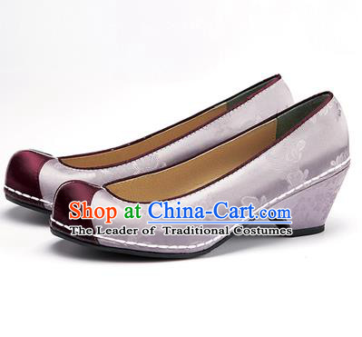 Traditional Korean National Wedding Embroidered Shoes, Asian Korean Hanbok Bride Embroidery Grey Satin Block Heels Shoes for Women