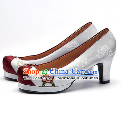 Traditional Korean National Wedding Shoes Grey Embroidered Shoes, Asian Korean Hanbok Embroidery Flowers High-heeled Court Shoes for Women