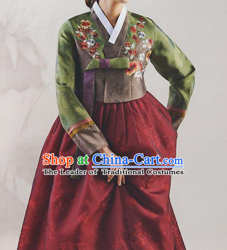 Korean National Handmade Formal Occasions Wedding Bride Clothing Hanbok Costume Embroidered Green Blouse and Red Dress for Women