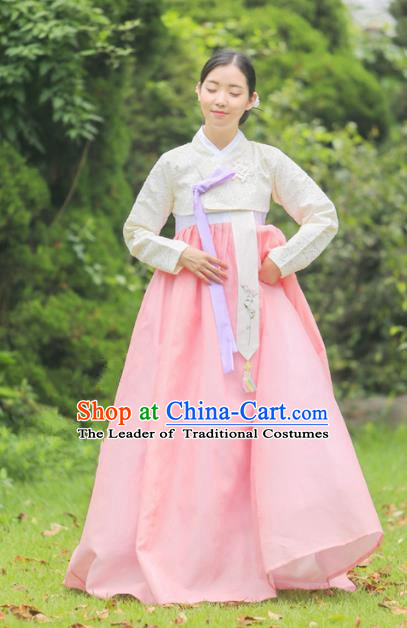 Korean National Handmade Formal Occasions Bride Clothing Hanbok Costume Embroidered Beige Blouse and Pink Dress for Women