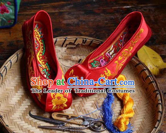 7fecce9f7e9525 Asian Chinese Traditional Shoes Red Wedding Embroidered Shoes