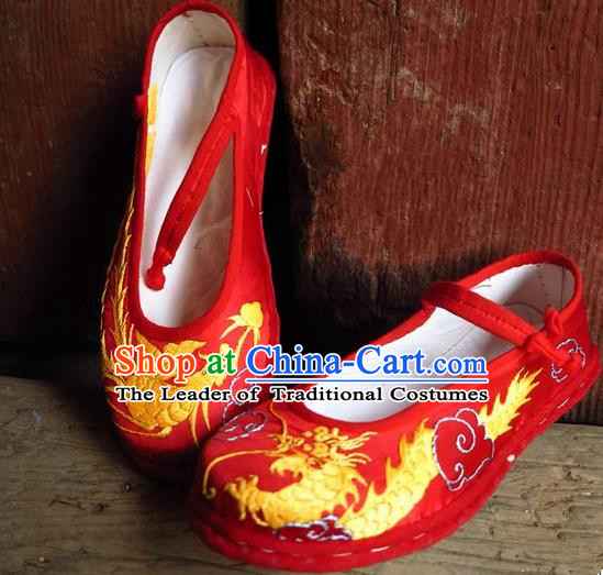 Traditional Chinese Ancient Princess Shoes Red Cloth Embroidered Shoes, China Handmade Embroidery Phoenix Peony Hanfu Shoes for Women