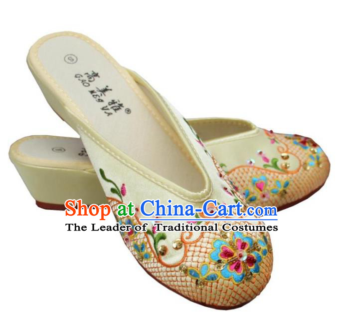 Traditional Chinese National Bride Yellow Paillette Embroidered Slippers, China Handmade Embroidery Flowers Hanfu Shoes for Women