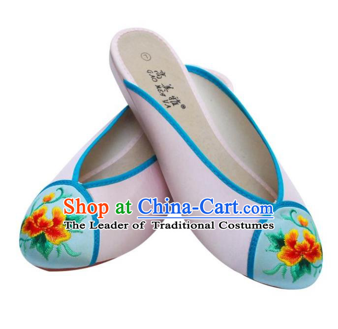 Traditional Chinese National Bride Pink Satin Embroidered Slippers, China Handmade Embroidery Flowers Hanfu Shoes for Women