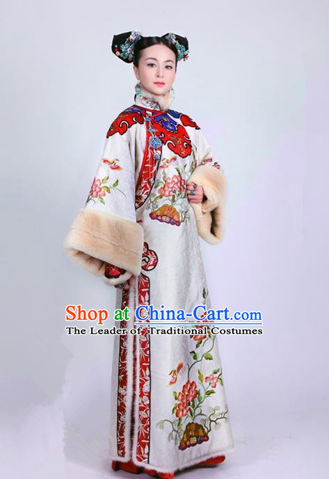 Traditional Ancient Chinese Imperial Consort Costume, Chinese Qing Dynasty Manchu Palace Lady Dress, Cosplay Chinese Mandchous Imperial Princess Delicate Embroidered Clothing for Women