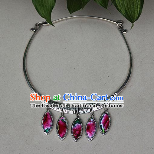 Traditional Chinese Miao Nationality Crafts, Hmong Handmade Miao Silver Embroidery Pink Flowers Pendant, Miao Ethnic Minority Silver Necklace Accessories Pendant for Women