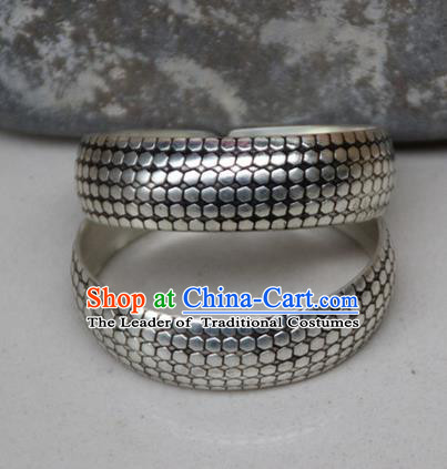 Traditional Chinese Miao Ethnic Minority Miao Silver Bracelet, Hmong Handmade Bracelet Jewelry Accessories for Women