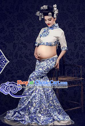 Traditional Ancient Chinese Peking Opera Costume, Chinese Ming Dynasty Blue and White Porcelain Dress, Cosplay Chinese Peri Imperial Empress Clothing for Pregnant Women
