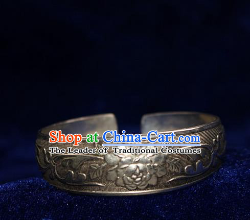Traditional Chinese Miao Nationality Crafts Jewelry Accessory Bangle, Hmong Handmade Miao Silver Peony Flowers Bracelet, Miao Ethnic Minority Silver Bracelet Accessories for Women