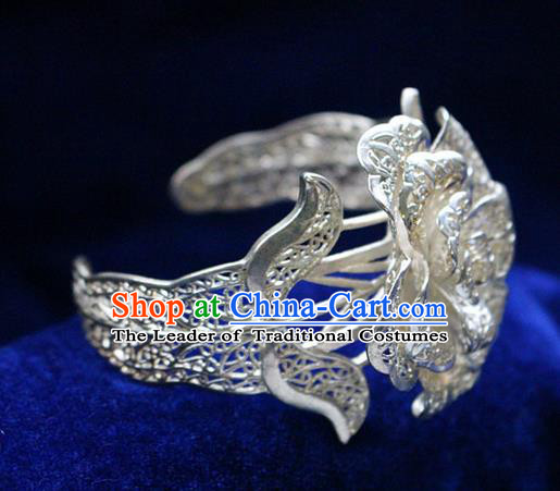 Traditional Chinese Miao Nationality Crafts Jewelry Accessory Bangle, Hmong Handmade Miao Silver Flowers Bracelet, Miao Ethnic Minority Silver Wide Bracelet Accessories for Women
