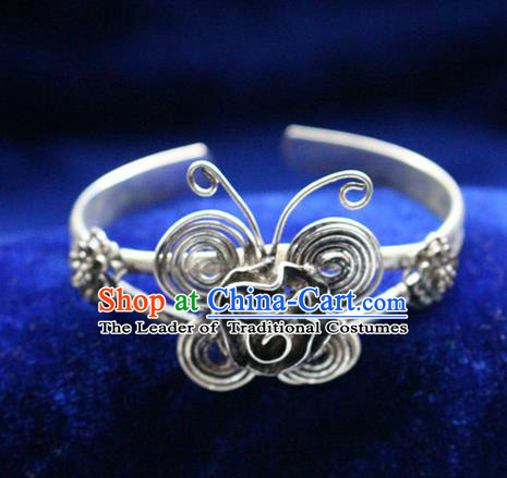 Traditional Chinese Miao Nationality Crafts Jewelry Accessory Bangle, Hmong Handmade Miao Silver Butterfly Bracelet, Miao Ethnic Minority Silver Bracelet Accessories for Women