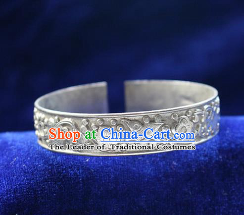 Traditional Chinese Miao Nationality Crafts Jewelry Accessory Bangle, Hmong Handmade Miao Silver Bird Bracelet, Miao Ethnic Minority Silver Bracelet Accessories for Women