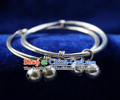 Traditional Chinese Miao Nationality Crafts Jewelry Accessory Bangle, Hmong Handmade Miao Silver Classical Chinese Bells Bracelet, Miao Ethnic Minority Silver Bracelet Accessories for Women