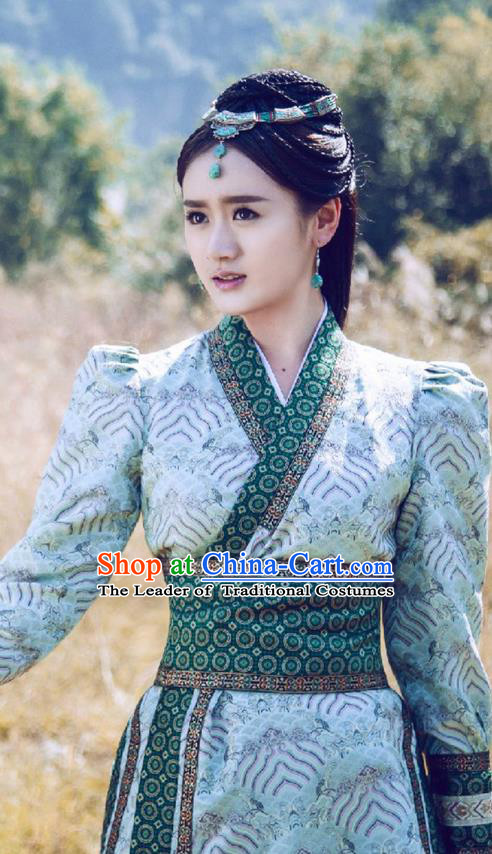 Traditional Ancient Chinese Swordswoman Elegant Costume, Chinese Ming Dynasty Chivalrous Heroine Dress, Cosplay Chinese Television Drama Flying Daggers Young Lady Embroidered Hanfu Clothing for Women
