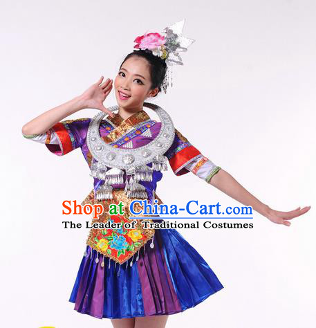 Traditional Chinese Miao Nationality Dancing Costume, Tujia Zu Female Folk Dance Ethnic Pleated Skirt, Chinese Tujia Minority Nationality Embroidery Costume for Women