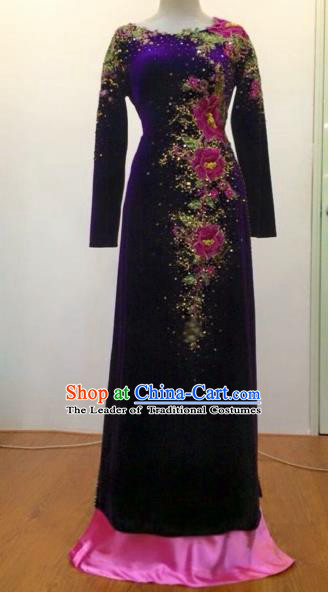 Traditional Top Grade Asian Vietnamese Costumes Classical Embroidery Full Dress, Vietnam National Ao Dai Dress Catwalks Debutante Pleuche Qipao for Women