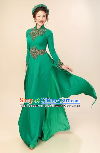 Traditional Top Grade Asian Vietnamese Costumes Classical Green Silk Cheongsam, Vietnam National Vietnamese Bride Ao Dai Dress for Women