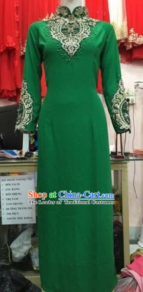 Traditional Top Grade Asian Vietnamese Costumes Classical Green Lace Cheongsam, Vietnam National Vietnamese Young Lady Ao Dai Dress
