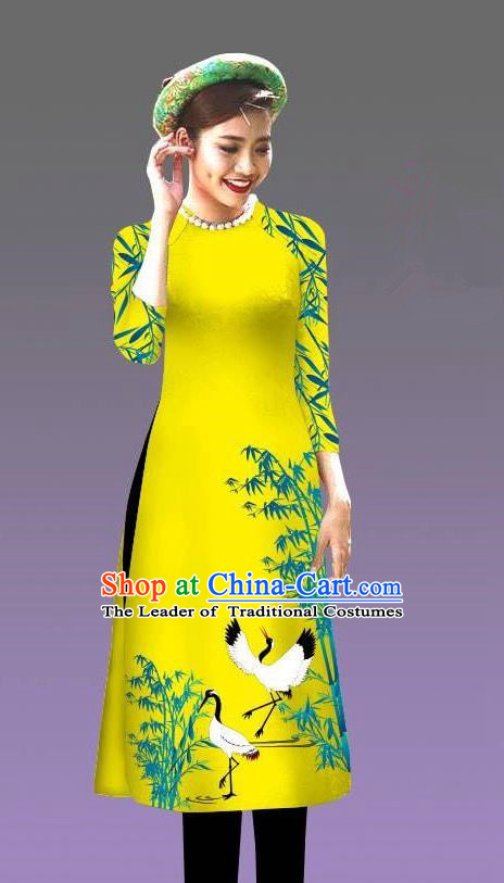 Top Grade Asian Vietnamese Costumes Classical Jing Nationality Crane Pattern Short Cheongsam, Vietnam National Clothing Bride Traditional Yellow Ao Dai Dress