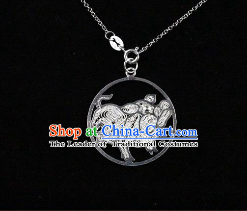 Traditional Handmade Chinese Ancient Classical Accessories Pure Sliver Chinese Zodiac Pendant Pig Lacing Pendent for Women