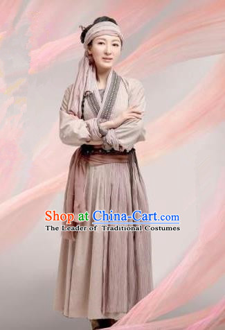 Chinese Ancient Tang Dynasty Countrywoman Costume and Headwear, Traditional Chinese Ancient Swordswoman Clothing Complete Set
