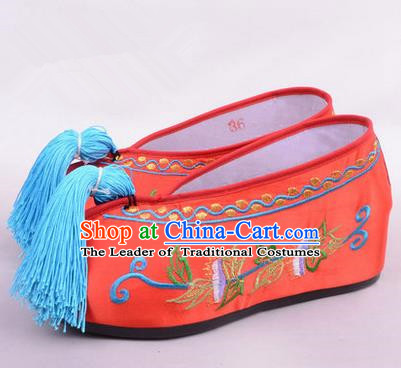 Chinese Ancient Peking Opera Young Lady Bride Embroidered Hua Tan Shoes, Traditional China Beijing Opera Princess Wedding Red Embroidered Increase Shoes