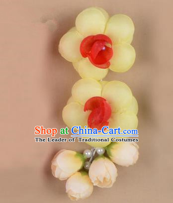 Chinese Ancient Peking Opera Hair Accessories Diva Temple Yellow Flowers Hairpins, Traditional Chinese Beijing Opera Princess Hua Tan Hair Clasp Head-ornaments