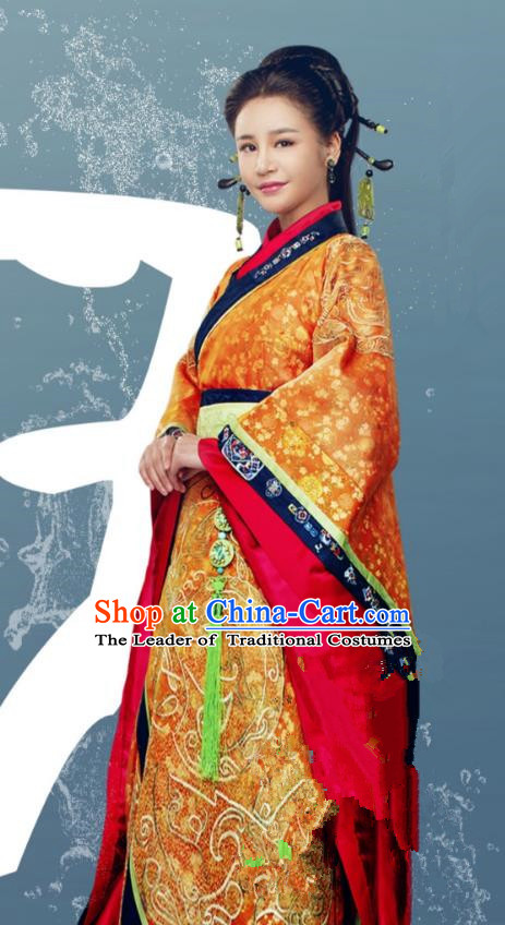 Traditional Chinese Qin Dynasty Palace Dowager Embroidery Costume and Headpiece Complete Set, The King Woman Chinese Ancient Imperial Consort Hanfu Dress