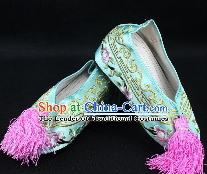 Traditional China Beijing Opera Hua Tan Diva Embroidered Shoes, Ancient Chinese Peking Opera Young Lady Princess Light Green Blood Stained Shoes