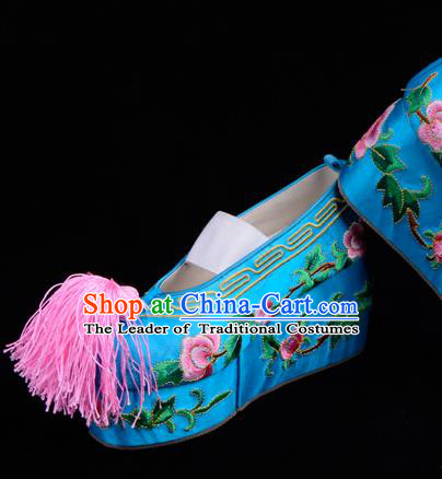 Top Grade Professional Beijing Opera Hua Tan Embroidered Blue Shoes, Traditional Ancient Chinese Peking Opera Diva Princess Blood Stained Shoes