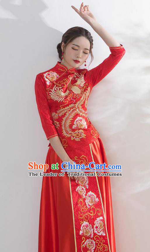 Traditional Ancient Chinese Wedding Costume Handmade Embroidery Peony Xiuhe Suits, Chinese Style Wedding Dress Red Embroidery Dragon and Phoenix Flown Bride Toast Cheongsam for Women