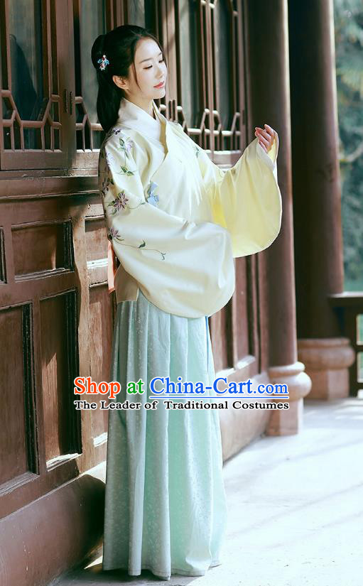 Traditional Chinese Ancient Young Lady Hanfu Costume, Asian China Ming Dynasty Princess Embroidered Yellow Blouse and Skirts for Women