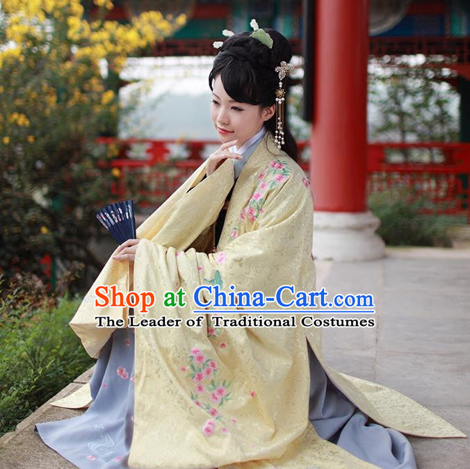 Asian Chinese Ming Dynasty Princess Costume Embroidery Yellow Cloak, Ancient China Palace Lady Embroidered Cardigan Clothing for Women
