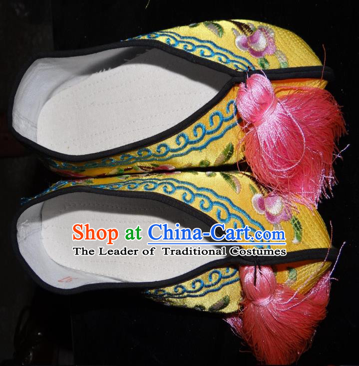 Traditional Chinese Peking Opera Diva Embroidered Shoes Yellow Satin Shoes, China Ancient Beijing Opera Hua Tan Blood Stained Shoes for Women