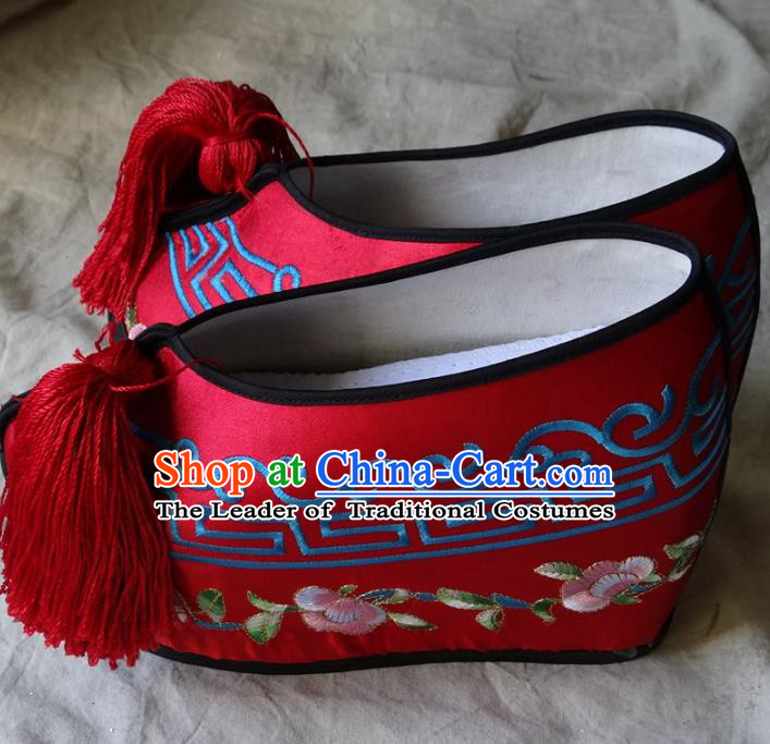 Traditional Chinese Qing Dynasty Princess Embroidered Shoes Red Satin Shoes, China Ancient Palace Lady Blood Stained Shoes for Women