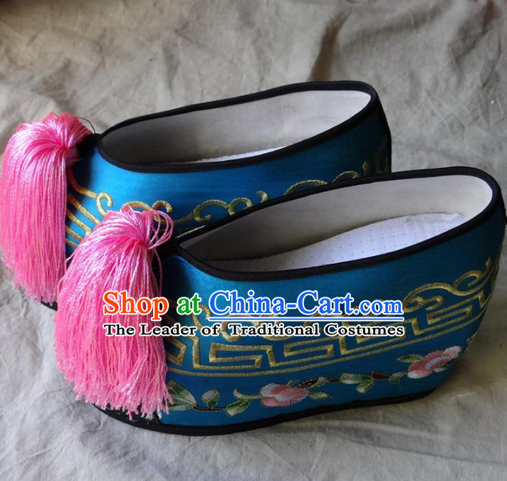 Traditional Chinese Qing Dynasty Princess Embroidered Shoes Blue Satin Shoes, China Ancient Palace Lady Blood Stained Shoes for Women