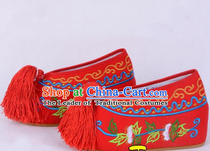 Traditional Beijing Opera Diva Red Satin Embroidered Shoes Cloth Shoes, Ancient Chinese Peking Opera Hua Tan Princess Blood Stained Shoes