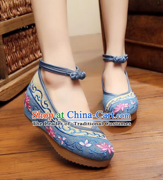Traditional Chinese National Blue Linen Embroidered Lotus Shoes, China Princess Shoes Hanfu Embroidery Shoes for Women