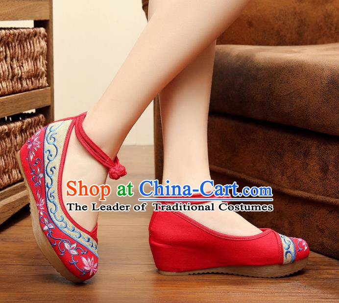 Traditional Chinese National Red Linen Embroidered Lotus Shoes, China Princess Shoes Hanfu Embroidery Shoes for Women