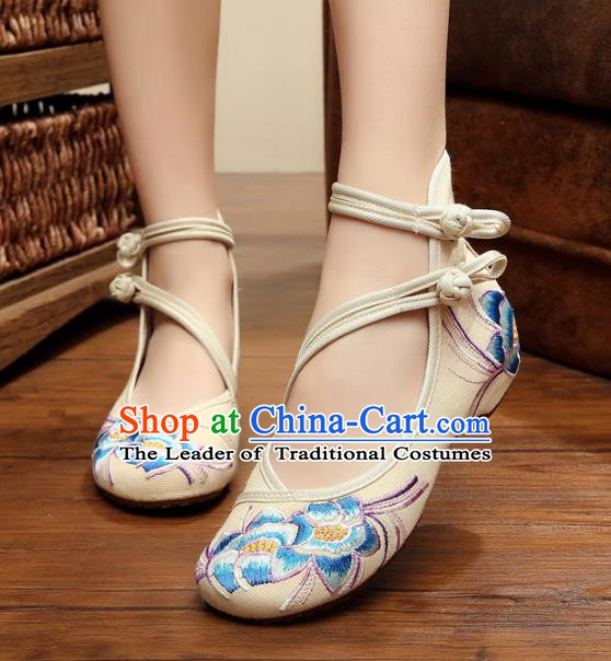 Traditional Chinese National White Hanfu Embroidered Shoes, China Princess Shoes Embroidery Flowers Shoes for Women