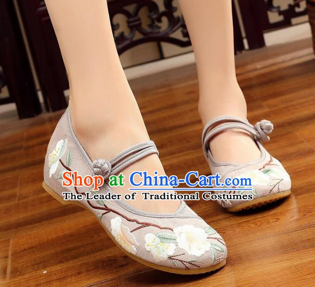 Traditional Chinese National Hanfu White Embroidery Flowers Shoes, China Princess Embroidered Shoes for Women