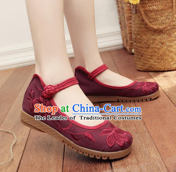Traditional Chinese National Hanfu Embroidery Lotus Amaranth Shoes, China Embroidered Shoes for Women