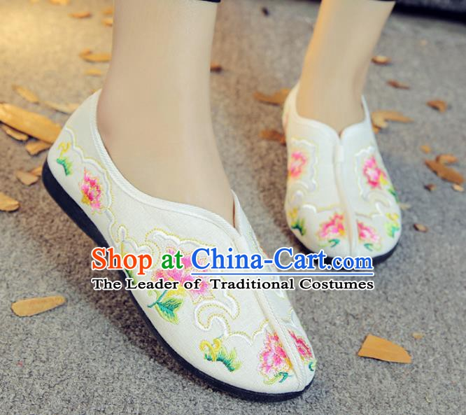 Traditional Chinese National Hanfu Embroidery Peony White Shoes, China Ancient Embroidered Shoes for Women